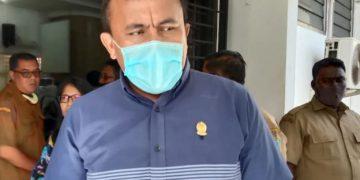 Mangapul Purba saat di ruang data Pemerintah Kota Pematangsiantar. (Foto: Tagar/Anugerah Nasution)